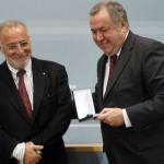 Enhorabuena al comisario babiano Segundo Martínez