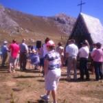 LA NUEVA ESPAÑA: Pinos tiene la fiesta en paz. (El Alcalde de San Emiliano lamenta el cierre de Casa Mieres)